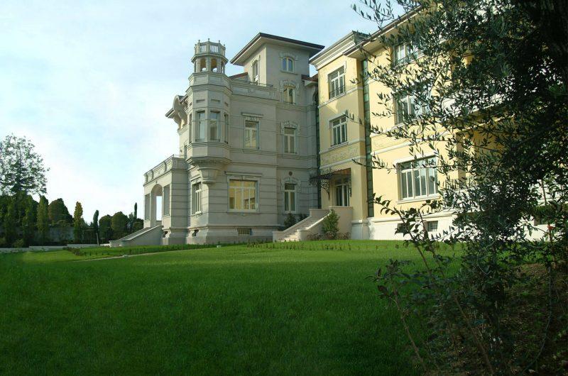 Iniziativa Gilioli Costruzioni - Ristrutturazione di importante villa storica e ampliamento - Desenzano del Garda