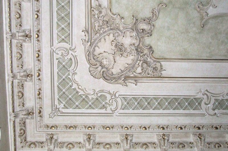Ristrutturazione con restauro conservativo lussuosa villa sul Lago di Garda - Particolare decorazioni
